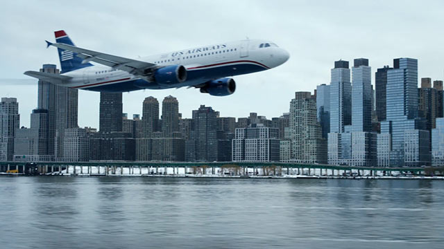 sully-plane-hudson-river-movie-2016