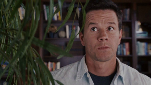 the-happening-mark-wahlberg-talks-to-plant