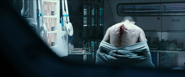 alien-covenant-back-wound-2017