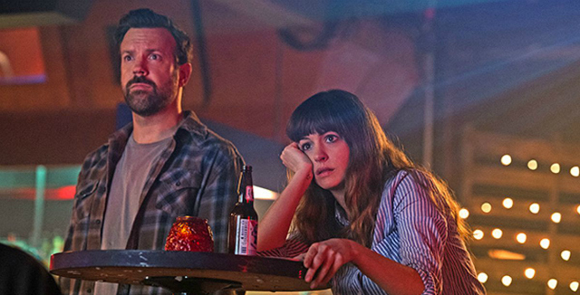 colossal-anne-hathaway-jason-sudeikis