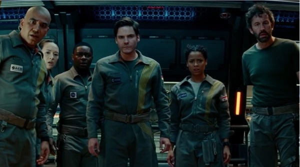 the-cloverfield-paradox-space-crew