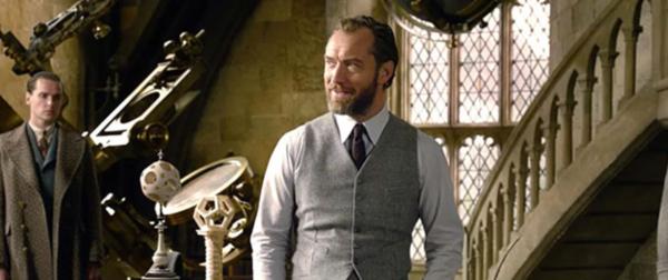 fantastic-beasts-jude-law-albus-dumbledore