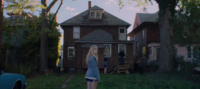 teen-horror-movies-it-follows-2014