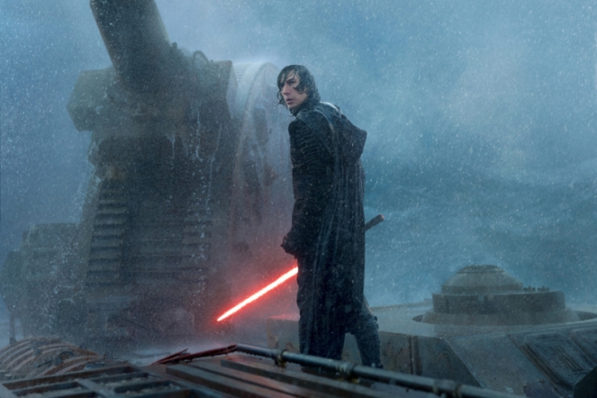 adam-driver-kylo-ren-2019-skywalker-wet