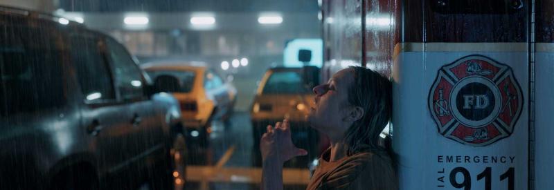 the-invisible-man-2020-elizabeth-moss-rain