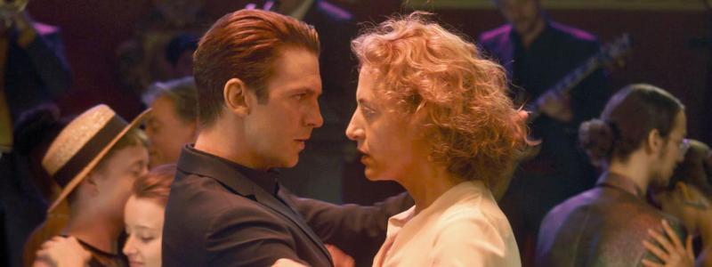 im-your-man-dancing-scene-2021-movie